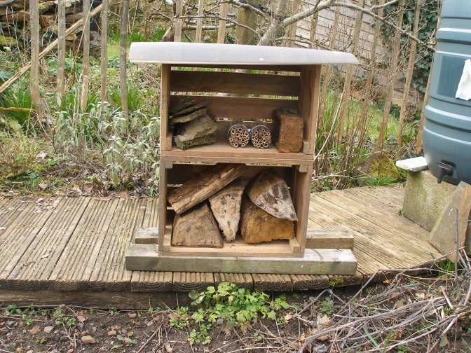 An experimental Bee House